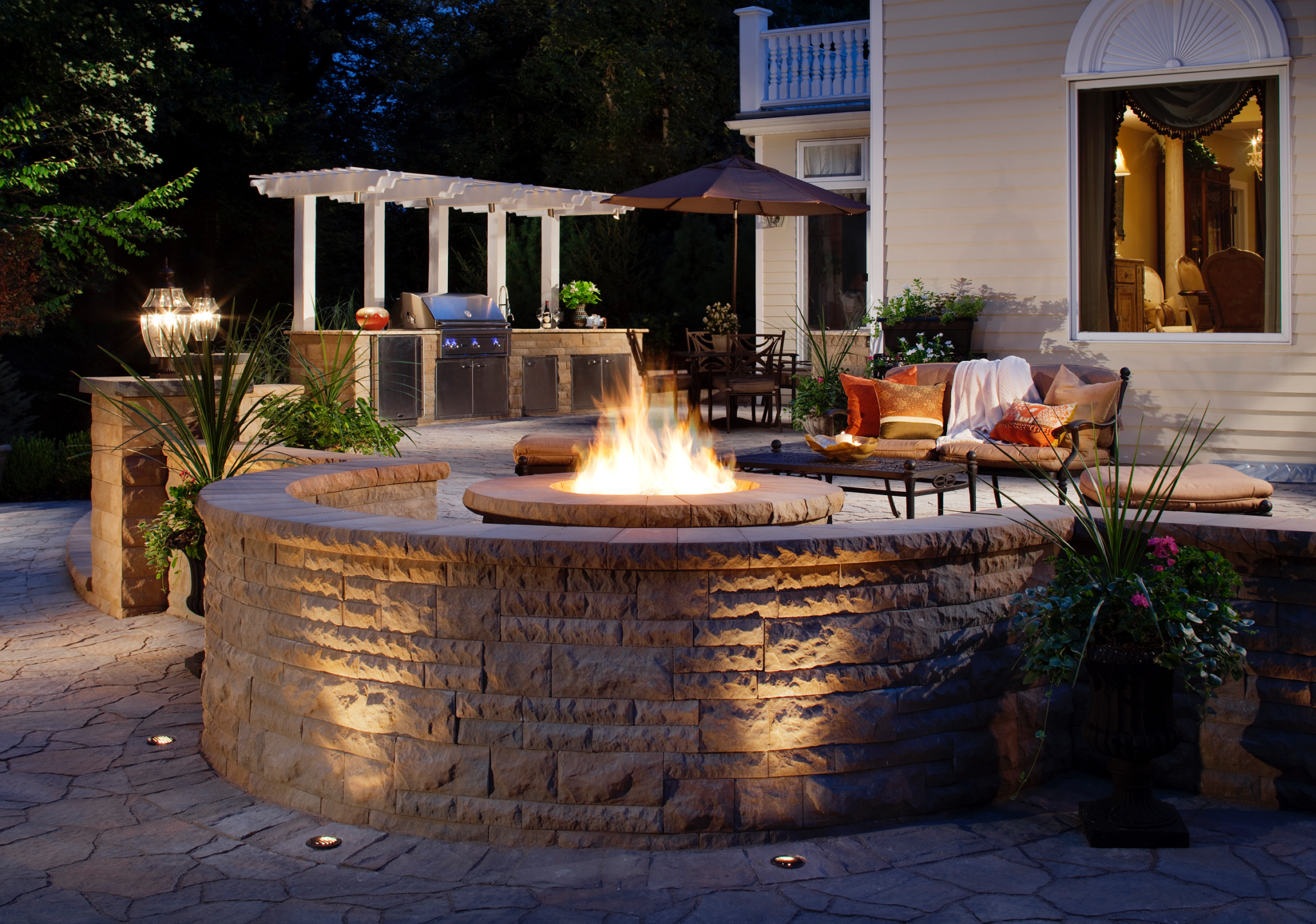 Belgard Mega-Arbel Paver Patio with Belair Wall