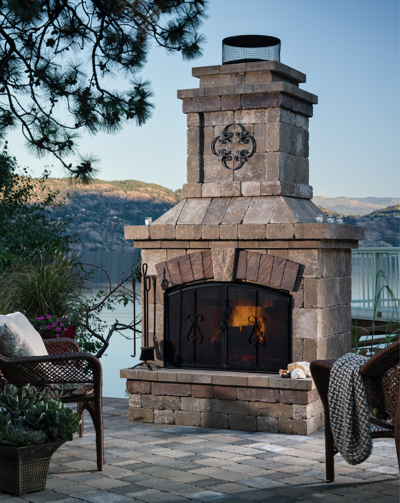 Belgard Pavers Brighton Outdoor Elements Fireplace