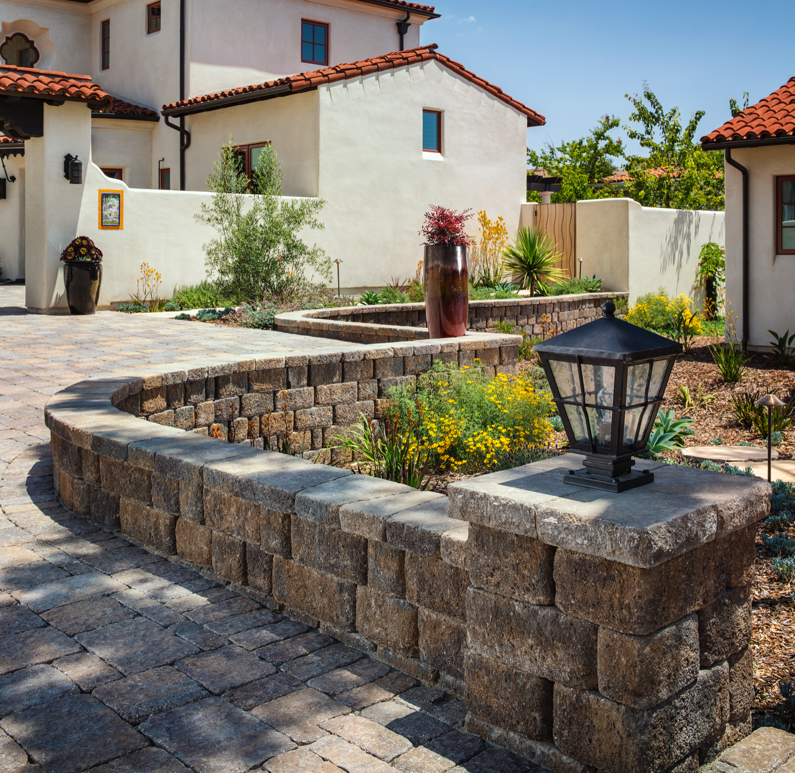 belgard castle manor wall paver - Transitional Castle 2016