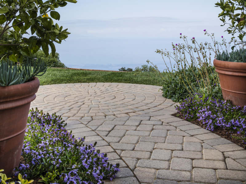 Belgard Cambridge Cobble Paver Walkway