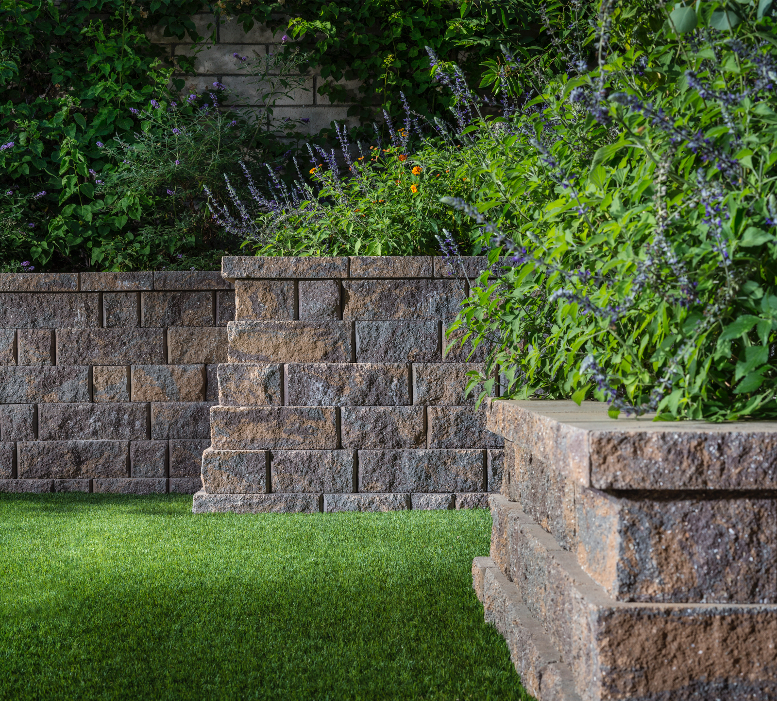 Belgard Anchor Highland Stone Paver Wall
