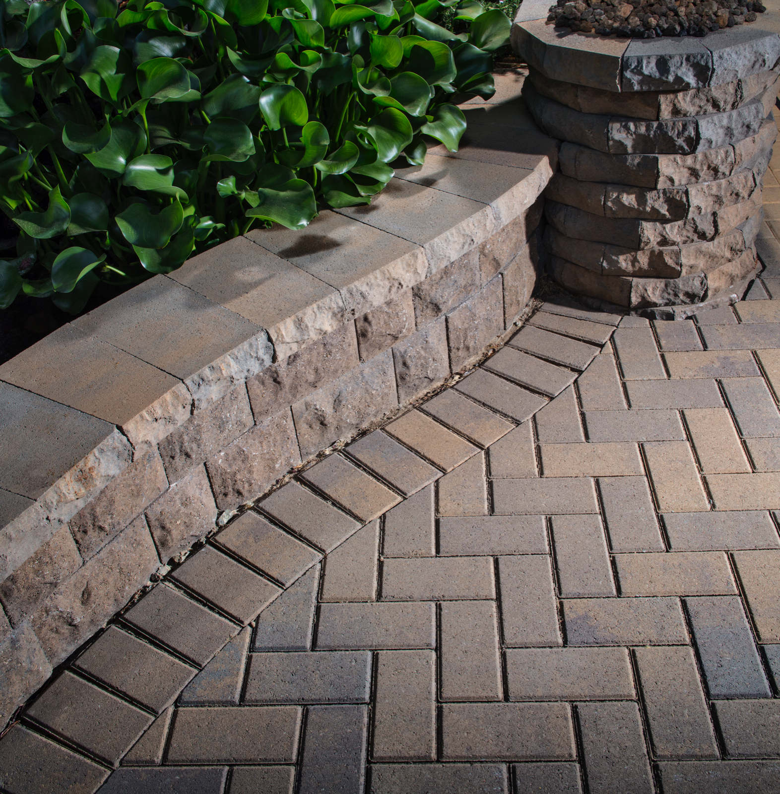 Belair wall pavers 4 less for Belgard urbana pavers